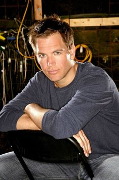 Michael Weatherly - hottie  Actor, Director Born 07/08/1968 New York City, New York