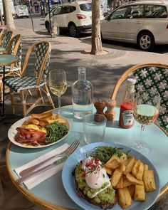Foodie Travel 387098530474720738 - Brunch time🥂 Source by luciiiiiiiiiiie Think Food, I Love Food, Good Food, Yummy Food, Cafe Food, Aesthetic Food, Summer Aesthetic, Food Cravings, Food Pictures