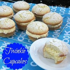 Twinkie Cupcakes ~ How to make your own Twinkies - but in cupcake form ~ feather light with the creamiest filling Twinkie Cupcakes, Yummy Cupcakes, Cupcake Cookies, Twinkie Desserts, Vanilla Cupcakes, Yummy Treats, Sweet Treats, Yummy Food, Tasty