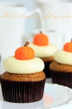6 Pumpkin Cupcake Recipes from Our Favorite Bakers :: Cupcake Monday | The TomKat Studio #laylagrayce #holidays #fall2012