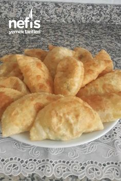 Akşam Yoğur Sabah Pişir Puf Böreği (Bulut Gibi Hafif) – Nefis Yemek Tarifleri Great Recipes, Snack Recipes, Cooking Recipes, Favorite Recipes, Snacks, Bread Dough Recipe, Chocolate Garnishes, Food Words, Breakfast Items