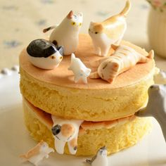 What's Right Meow: Meet the Duo Behind These Adorable Kitty-Inspired Cakes  #InStyle