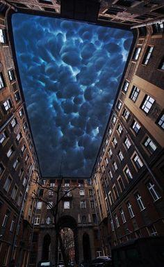 Реальность и фантазия: Кучевые облака над Толстовским домом. Автор: Егор Дружинин.