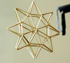 star Straw Crafts, Diy Straw, Craft Stick Crafts, Diy And Crafts, Christmas Star, Christmas Crafts For Kids, Straw Decorations, Christmas Decorations, Geometric Jewelry