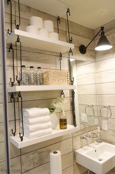 The most popular new small bathroom shelf hacks that'll help you get ready faster to liven up your bathroom for better a good daily mood. #smallbathroom #bathroomstorage #bathroomorganization