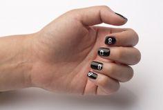 Halloween Manicure by Danielle Candido of #GelishMINI - Spooky Eyes #manicure #Halloween #nailart