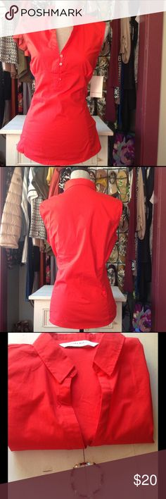 🌷🌻Basic Sleeves Collared Blouse🌷🌻Free Gift! Great little basic sleeves blouse. Brilliant red color. Buttons half way down the front. A must have! NWT! Gift w/purchase. See pic#3. Zara Tops Blouses