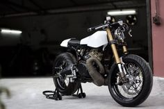 caferacerpasion.com  Yamaha RD 350 #CafeRacer by Moto Exotica [TAGS] #caferacerpasion #yamaha #caferacersofinstagram #caferacerxxx #caferacerporn #caferacerculture
