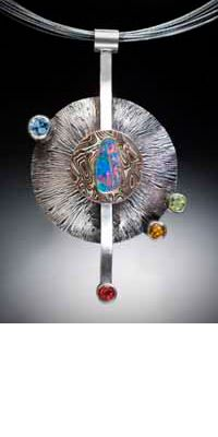 Collier de pierres précieuses par Alex Horst