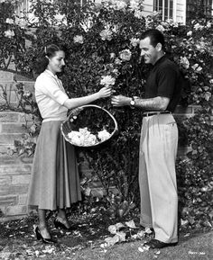 William Holden and wife Ardis at home (1952)