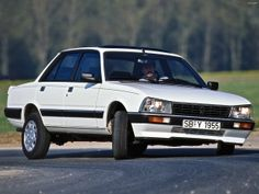 Toyota urges support for PM's Brexit deal - French cars - Autos Peugeot 505 Gti, Auto Peugeot, My Dream Car, Dream Cars, Vintage Cars, Antique Cars, New Corolla, Cars Land, Jaguar Land Rover