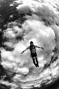 adventure extreme jumping sport ideas base 2019 for 32 Sport Extreme Adventure Base Jumping 32 Ideas For 2019 Sport Extreme Adventure Base Jumping 32 IdeaYou can find Extreme sports and more on our website Photos Folles, Rafting, Outdoor Fotografie, Base Jumping, Bungee Jumping, Paragliding, Parkour, Extreme Sports, Land Art