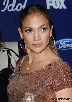Образы последних месяцев Jennifer Lopez