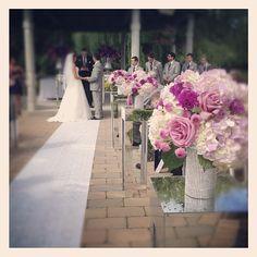 http://www.rachelaclingen.com/blog/weddings-king-west/