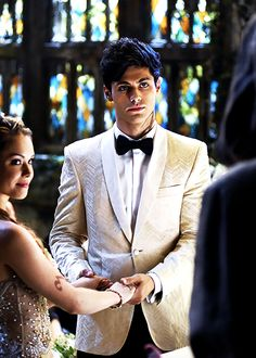 "Alec looking handsome on his ""wedding day"" but we all know the episode is called Malec ;) Would love to see a union between the Lightwoods and Branwells though"