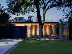 Contemporary home by NIMMO