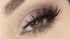 If I can makeup so YOU CAN ALSO / simple step-by-step makeup tutorial Can Makeup, Beauty Makeup, Contour Makeup, Eyebrow Makeup, Beauty Tutorials, Beauty Hacks, Cat Eye Tutorial, Smokey Cat Eye, Crystal Makeup