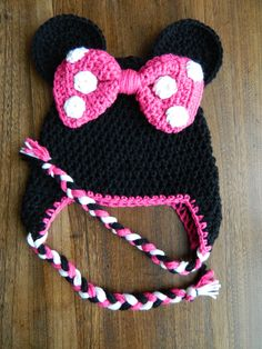 This crocheted Minnie Mouse hat would be perfect for a baby's first photo shoot!