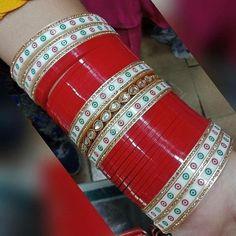 #redchura#Chura #Weddingchura #Punjabichura #Fancychura #lovelychura #Suhagchura #weddingchura #latestchura #kundanchura #zarkanChura #redzarkenchura www.instagram.com/Shahi_bridal_chura www.weddingchura.com you can order this num 8295087694 Wedding Thank You Cards, Wedding Make Up, Wedding Gifts, Wedding Things, Punjabi Wedding Couple, Punjabi Couple, Wedding Chura, Wedding Bouquets, Wedding Planner