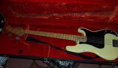 1975 Fender Dee Dee Ramones personal bass