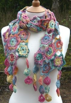 Hexagons crocheted scarf