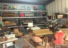 Amanzing Vintage Rental Showroom