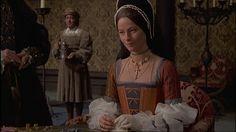 Charlotte Rampling como Ana Bolena no filme Henry VIII and His Six Wives em Anne Of Cleves, Anne Boleyn, Tudor Costumes, Movie Costumes, Elizabeth I, Dinastia Tudor, Elizabethan Clothing, Renaissance Era, Renaissance Fashion