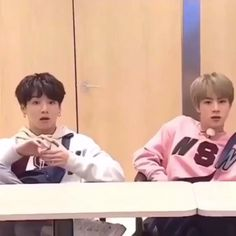 Tag yourself I'm Jungkook 😂😂 (creds to the owner),Funny, Funny Categories Fuunyy Ily army, you take the simplest things and make them into a meme. I stan Army ✔ Source by chanelkaimarie. Bts Video, Foto E Video, Bts K Pop, Bts Memes, Funny Memes, Jimin Jungkook, Bts Taehyung, Bts Funny Videos, I Love Bts