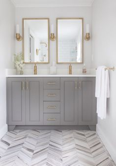 Grey and gold bathroom