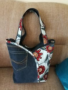 Denim Bag Patterns, Handbag Patterns, Bag Patterns To Sew, Diy Bags Jeans, Denim Tote Bags, Patchwork Bags, Quilted Bag, Blue Jean Purses, Denim Handbags