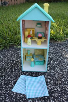 Aqua white Woodsy Peg People Doll House Cottage | Flickr - Photo Sharing!