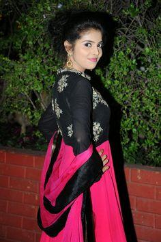 Hot Actress: Actress Sravya Cute Pictures