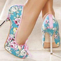 Gorgeous summer shoe!