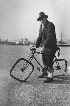 """Doug Blundell, who pioneered the """"Interminably Slow Velodrome"""" events at successive Olympics, raced his last race at the Antipodean Olympics. Sadly he didn't gain a place."""
