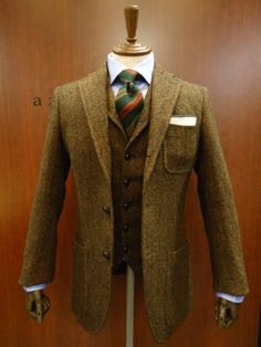 brown and tan wool herringbone, full windsor knot, great color combo...