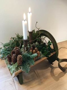 Christmas Candle Decorations, Christmas Flower Arrangements, Scandinavian Christmas Decorations, Christmas Table Settings, Holiday Decor, Retro Christmas, Christmas Diy, Christmas Wreaths, Xmas