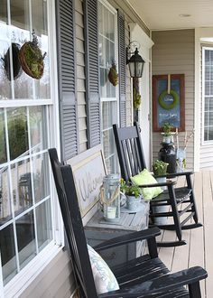 Check out these 20 Summer Front Porches for amazing inspiration! Enjoy summer living all season long with these beautiful summer front porches. Summer Front Porches, Small Porches, Summer Porch, Small Patio, Home Porch, Diy Porch, Porch Ideas, Porch Table, Small Porch Decorating