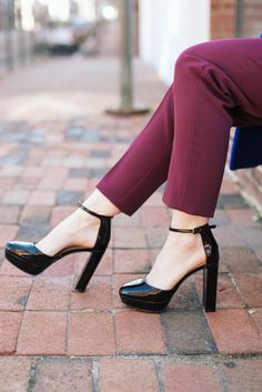 Add a bit of glam to your winter style with our black patent leather platform pumps à la Cathy of Poor Little It Girl | Banana Republic