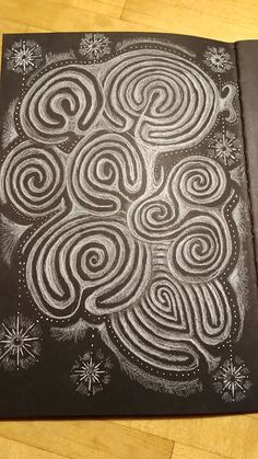 Project from the first labyrinth drawing clinic in Labyrinth Art Journeys: Classical Labyrinths Ancient Symbols, Ancient Art, Labyrinth Maze, Labyrinth Garden, Amazing Maze, Mc Escher, Smart Art, Creative Workshop, Art Courses