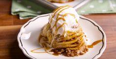 Le meilleur de l'automne... La réconfortante pomme hasselback et sa sauce chaude au caramel. - Desserts - Ma Fourchette
