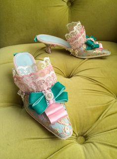 TO VERIFY AVAILABILITY; PLEASE MESSAGE FIRST IF YOU ARE INTERESTED IN THESE SHOES!! These are a pair of gorgeous up-cycled heels. I have added