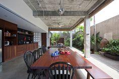 HIMMag - Cận cảnh ngôi nhà mái lá tuyệt đẹp ở Sài Gòn