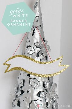 Gold and White Banner Ornament - would be great for nameplates for Xmas dinner! (& suitable to continue using all year round!)
