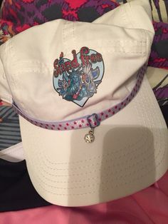 My new hat to match my tee