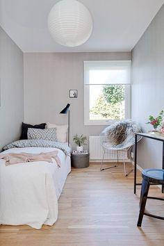 best small bedroom design ideas for your kids 9 « A Virtual Zone Bedroom Layouts, Room Ideas Bedroom, Small Room Bedroom, Small Rooms, Small Spaces, Modern Bedroom, Contemporary Bedroom, Teen Bedroom, Master Bedroom