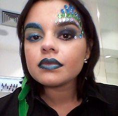 Inspiração brasileiríssima feita pelo beauty artist @deniscoulter na @luanamchaves, do Beauty Team da NYX Teresina