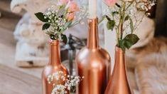 Belles idées de pièce maîtresse de mariage automne rustique Souffle, Plein Air, Bottle, Tables, Home Decor, Painted Bottles, Center Table, Rustic, Flasks