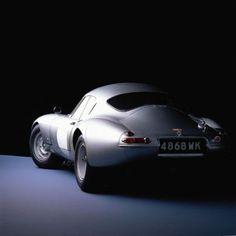 Zilveren sportwagen