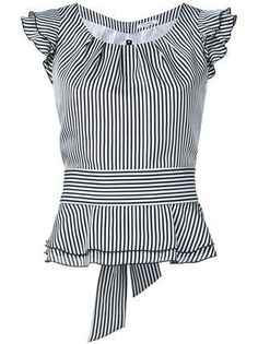 Shoppen Guild Prime Gestreiftes Top mit Volants Shop Guild Prime Striped top with flounces Blouse Styles, Blouse Designs, Shopping Outfits, Bluse Outfit, Work Attire, Mode Inspiration, Mode Style, African Fashion, Blouses For Women