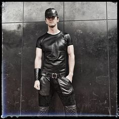 """LOLEATHER auf Instagram: """"He looks so sexy in that leather #t-shirt Photos for your pleasure. Leather made by measure! This great guy looks hot @ any occasion!…"""" Hot Boys, Guys, Sexy, Mens Tops, T Shirt, Photos, Instagram, Fashion, Trousers"""